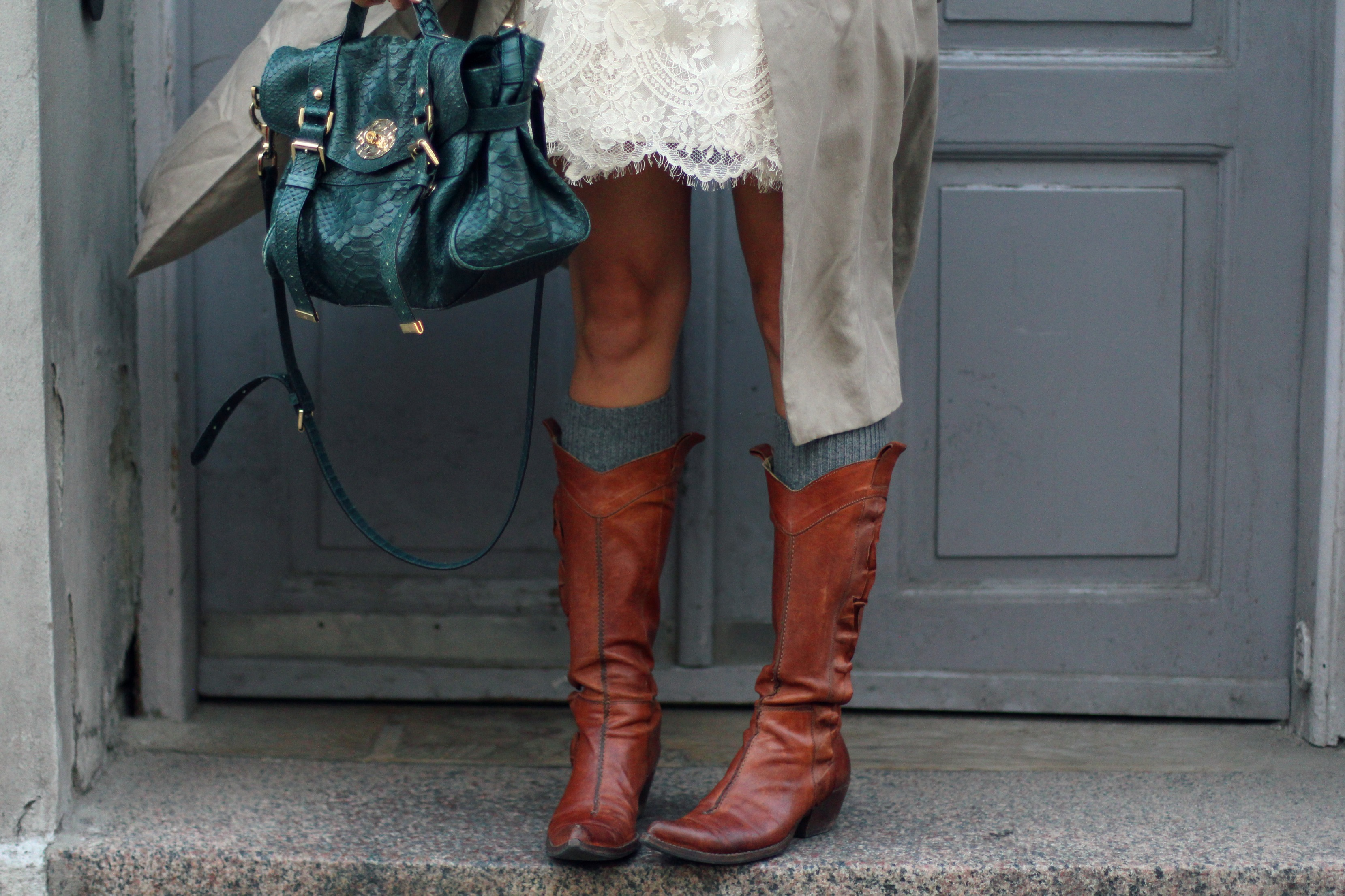 cowboy boots brown, H&M conscious exclusive dress, beige trench coat, slouchy coat, snake green mulberry alexa