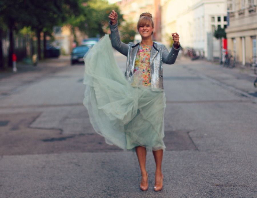 b1fea9aefbac Repost  How to dress for a wedding - ROCKPAPERDRESSES